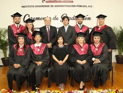 Egresados de la 12va. Generación de la Maestría en Administración Pública